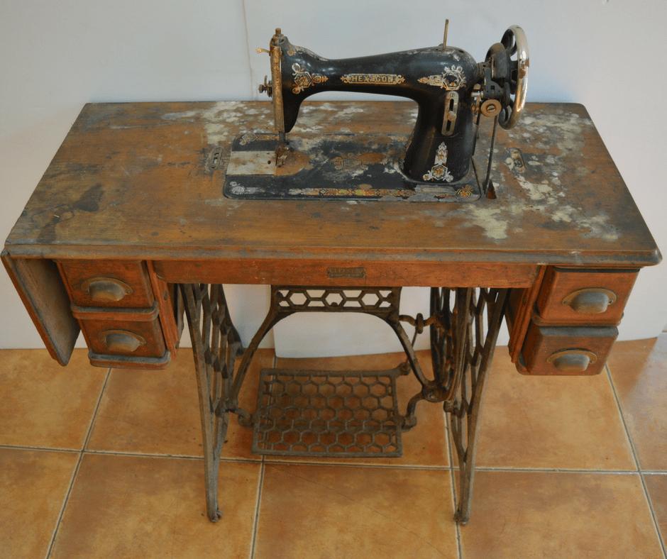 Restaura y recupera m quinas de coser antiguas muebles for Reformar muebles antiguos